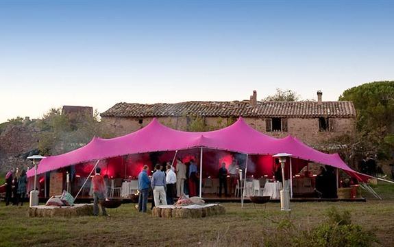 Réceptions uniques et originales - location de tente chapiteau